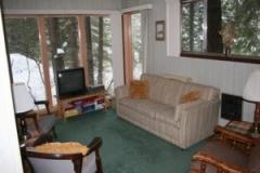 cabinlivingrm800x600-300x225